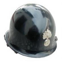 Каска с кокардой полиции Франции, оригинал, б/у